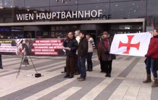 Budaházy, Novák, Téglásy együtt tüntet Bécsben